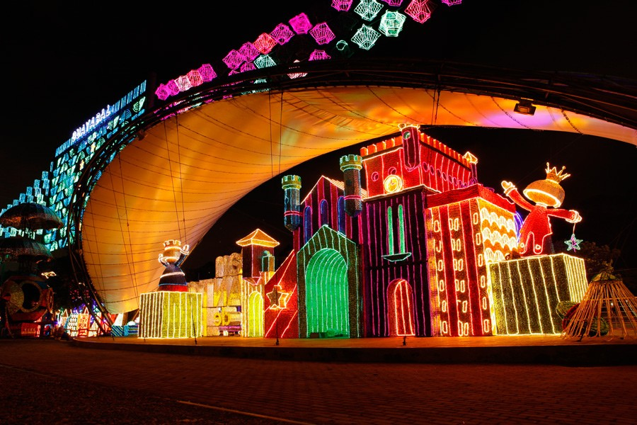 Christmas In Colombia.In Colombia Annual Festival Of Lights Live And Retire In